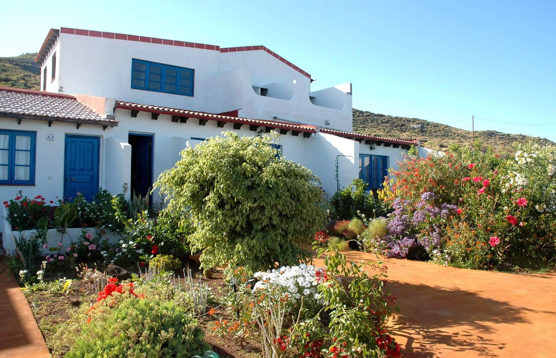 Apartamentos villa marina la caleta el hierro for Apartamentos hovima jardin caleta